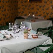 Preparación mesa - Restaurante Villa Marcilla